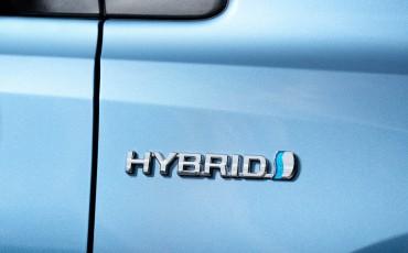 20150602-87-Nieuwe-Toyota-Auris-de-enige-14-procent-Wagon-met-standaard-automaat-en-up-to-date-actieve-veiligheid-Hatchback