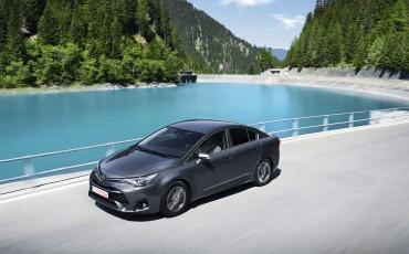 20150618-005-Toyota-Avensis-zakelijk-talent-Sedan.jpg