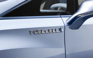 2012_03_Toyota FCV-R_3