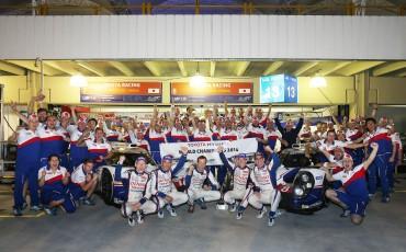 20141201-01-Toyota-kampioen-met-TS040-HYBRID-in-FIA-World-Endurance-Championschip