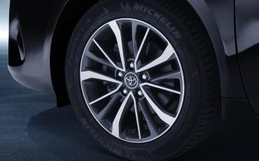 20150325_26_Prijzen_en_leaseprijs_van_nieuwe_Avensis_1_6_D-4D_Diesel