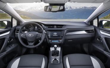 20150618-059-Toyota-Avensis-zakelijk-talent-Touring-Sports