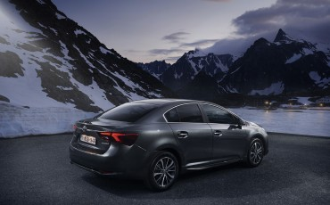 20150618-065-Toyota-Avensis-zakelijk-talent-Sedan