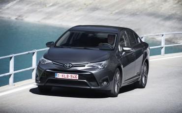 20150618-069-Toyota-Avensis-zakelijk-talent-Sedan