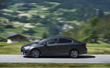 20150618-072-Toyota-Avensis-zakelijk-talent-Sedan