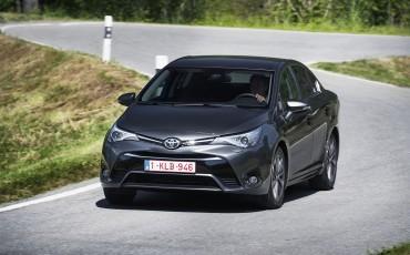 20150618-073-Toyota-Avensis-zakelijk-talent-Sedan