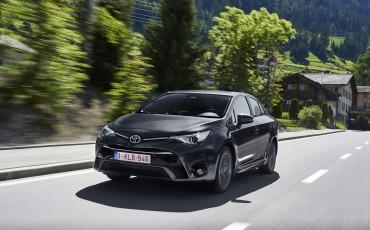 20150618-074-Toyota-Avensis-zakelijk-talent-Sedan