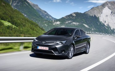 20150618-075-Toyota-Avensis-zakelijk-talent-Sedan