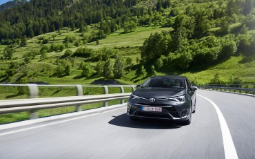 20150618-082-Toyota-Avensis-zakelijk-talent-Sedan