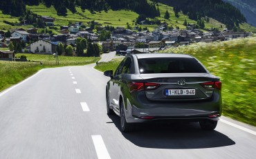 20150618-083-Toyota-Avensis-zakelijk-talent-Sedan