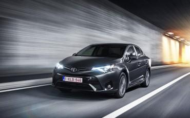 20150618-085-Toyota-Avensis-zakelijk-talent-Sedan