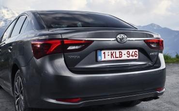 20150618-091-Toyota-Avensis-zakelijk-talent-Sedan