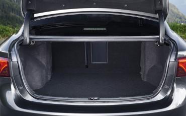 20150618-092-Toyota-Avensis-zakelijk-talent-Sedan