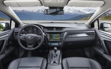 20150618-093-Toyota-Avensis-zakelijk-talent-Sedan