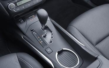 20150618-095-Toyota-Avensis-zakelijk-talent-Sedan