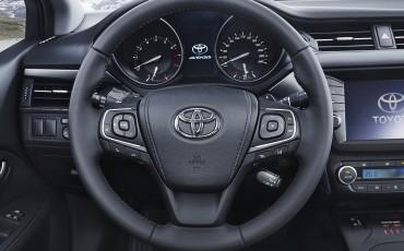 20150618-096-Toyota-Avensis-zakelijk-talent-Sedan