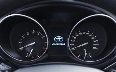 20150618-097-Toyota-Avensis-zakelijk-talent-Sedan