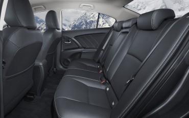 20150618-101-Toyota-Avensis-zakelijk-talent-Sedan
