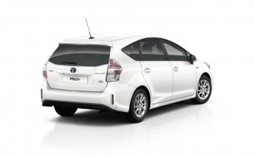 03-Toyota-Prius-plus-10-2015