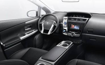 07-Toyota-Prius-plus-10-2015