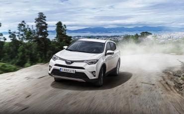 Toyota maakt RAV4 prijzen bekend, inclusief enige Full Hybrid in z'n klasse
