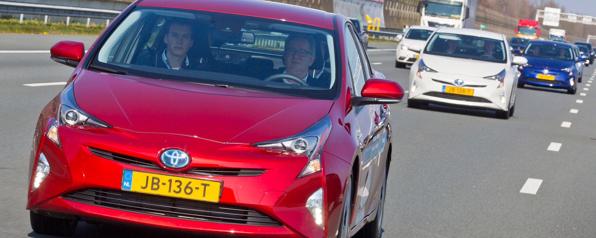 Semi-zelfrijdende Toyota Prius in Nationale Platooningtest A2