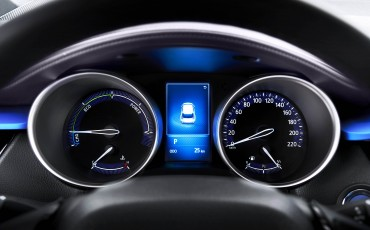 13-Vernieuwend-interieurdesign-voor-hybrid-design-statement-Toyota-C-HR-28062016
