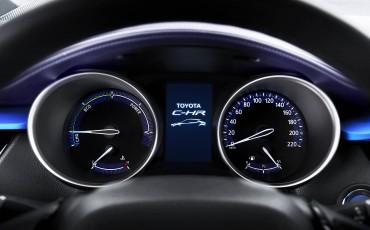 14-Vernieuwend-interieurdesign-voor-hybrid-design-statement-Toyota-C-HR-28062016