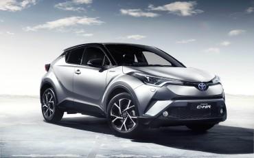 17-Vernieuwend-interieurdesign-voor-hybrid-design-statement-Toyota-C-HR-28062016