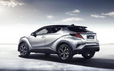 18-Vernieuwend-interieurdesign-voor-hybrid-design-statement-Toyota-C-HR-28062016