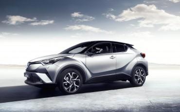 19-Vernieuwend-interieurdesign-voor-hybrid-design-statement-Toyota-C-HR-28062016