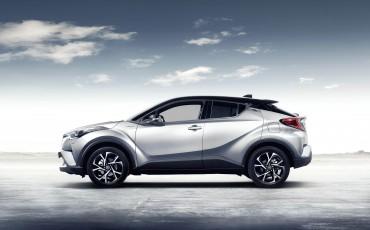 20-Vernieuwend-interieurdesign-voor-hybrid-design-statement-Toyota-C-HR-28062016
