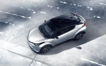 21-Vernieuwend-interieurdesign-voor-hybrid-design-statement-Toyota-C-HR-28062016