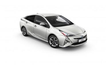 01-Toyota-Prius-White-Edition-2-1