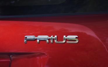 04-toyota-prius-emotional-red-16122016