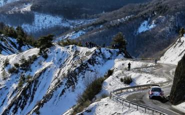 Toyota-Yaris-WRC-23-01-2017-18