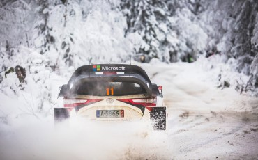 07-Toyota-Yaris-WRC-wint-de-Rally-van-Zweden