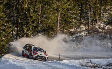 09-Toyota-Yaris-WRC-wint-de-Rally-van-Zweden