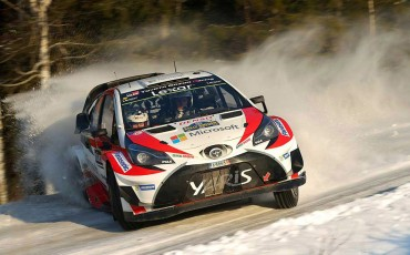 11-Toyota-Yaris-WRC-wint-de-Rally-van-Zweden