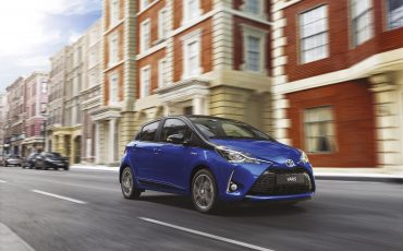 15-In-Geneve-showt-Toyota-de-nieuwe-Yaris-en-de-hot-hatch-Yaris-GRMN