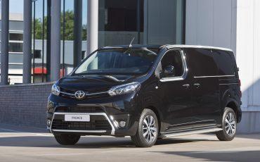 08-Toyota-PROACE-Black-Platinum