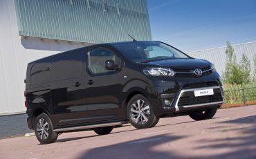 12-Toyota-PROACE-Black-Platinum