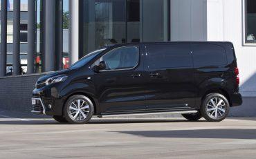13-Toyota-PROACE-Black-Platinum-