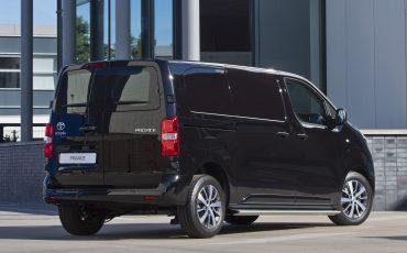 14-Toyota-PROACE-Black-Platinum-