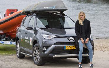 02-Toyota-RAV4-voor-Olympisch-kampioene-Marit-Bouwmeester