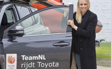 05-Toyota-RAV4-voor-Olympisch-kampioene-Marit-Bouwmeester