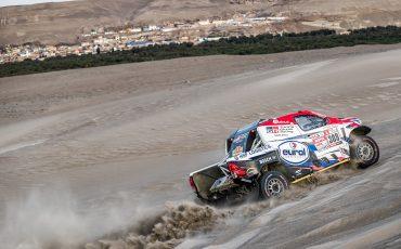 Toyota Hilux en coureur Bernhard ten Brinke imponeren in Dakar 2018