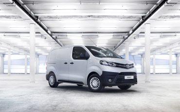 09-Toyota-realiseert-ruim-35-procent-groei-in-bedrijfswagenmarkt-PROACE-Compact