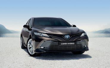 00-Toyota-Camry-Paris-Motor-Show