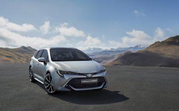 01-Stijlvolle-Toyota-Corolla-Touring-Sports-debuteert-op-Autosalon-van-Parijs